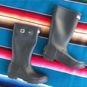 Hunter Tall Rain Boots size USA 8 / EU 38